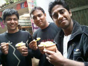 Tanay, Abhishek and Mahaan eating Malaiyo!